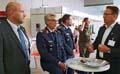Generalleutnant Peter Bohrer (stellv. Inspekteur der Streitkräftebasis) im Gespräch den beiden szenaris-Geschäftsführern